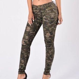 Fashion Nova Camo Distressed Jeans Gold Zippers-11